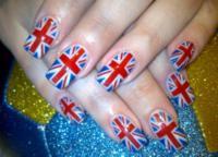 Маникюр - британский флаг