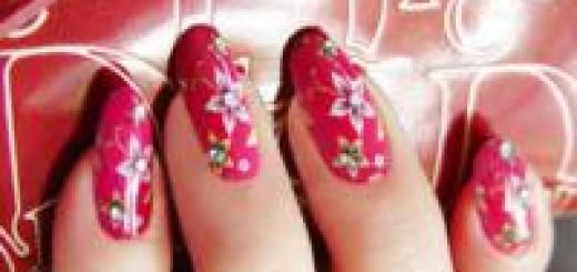 Дизайн красных ногтей