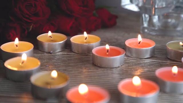 Зажигаем парафиновые свечи