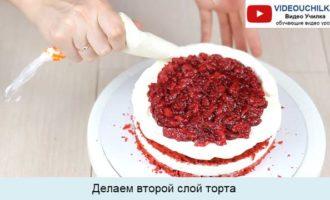 Делаем второй слой торта